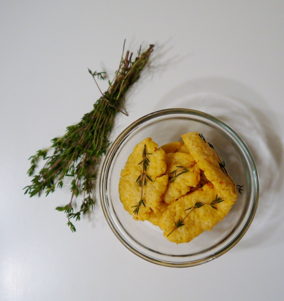Parmesan-Thyme Cheese Crackers
